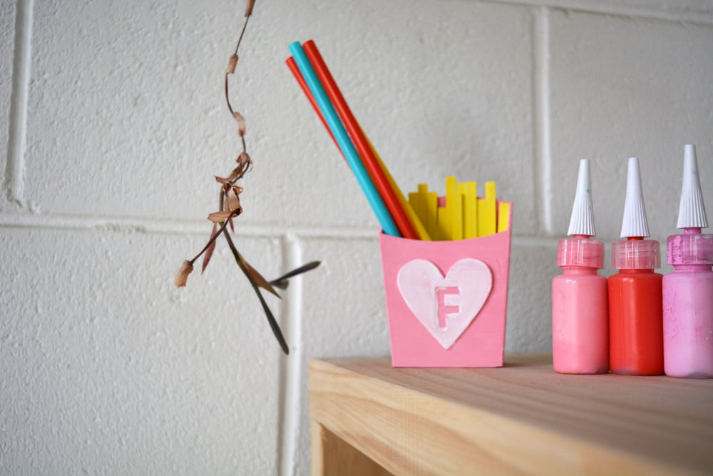 A pretty pink straw holders for a party to your beautiful copic markers!