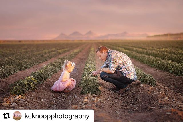 #Repost @kcknoopphotography with @get_repost ・・・ You gotta dig your roots 'For the sun comes down Show some love back to your hometown #demingnewmexico #deming #floridageorgialine #family #lifestylephotography #familyphotography