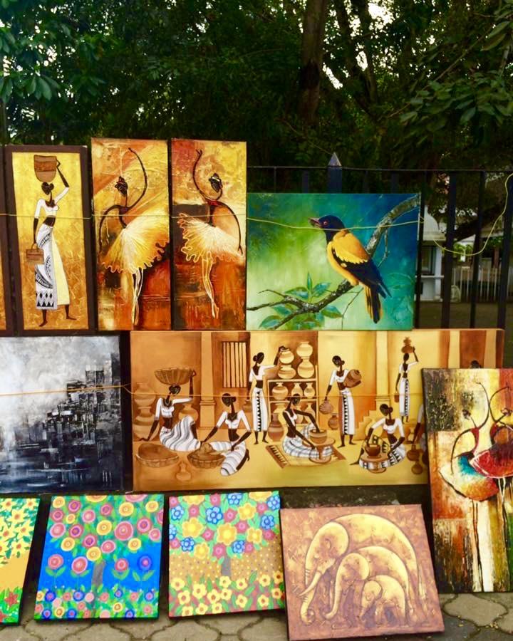 ART MARKET IN VIHARAMAHADEVI PARK, COLOMBO
