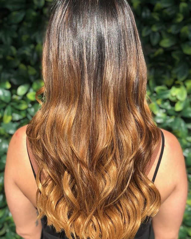 When hair extensions are applied by professionals, you shouldn't be able to tell that they're extensions at all. Because nobody wants to become the subject of gossip or the reason for a cringe. Let the experts look after you 😘 . . . . . . #longhair #style #straight #blonde #brunette #hairoftheday #hairideas #braidideas #perfectcurls #hairfashion #hairextensions #weft #extensions #balayage #ombre #balayageombre #hairpainting #redkin #babylights #balayagehighlights #longhair#braidideas #perfectcurls #hairfashion #hairextensions #weft #extensions