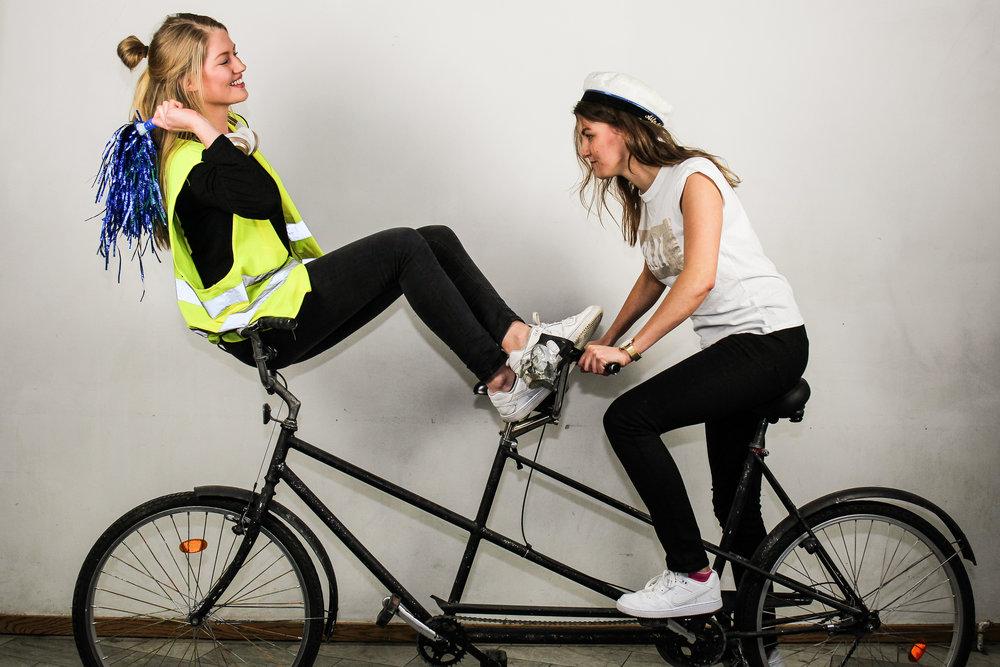 Emmy Tarras-Wahlberg och Mikaela Arnekull,Tandemamiraler våren 2017.