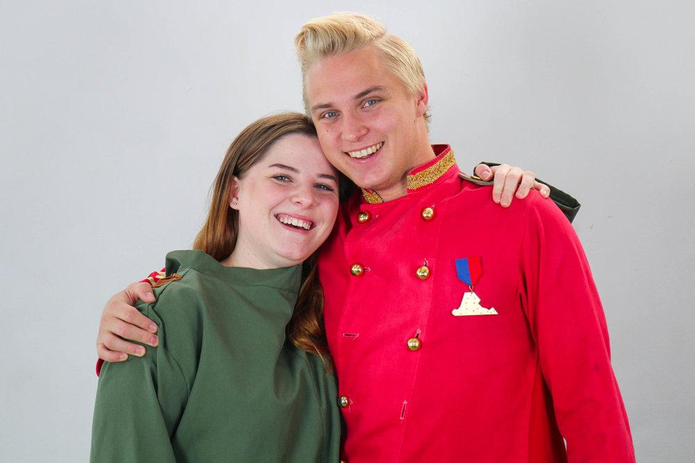 Oliver Särenhed och Sandra Frankel, Spexförpersoner.