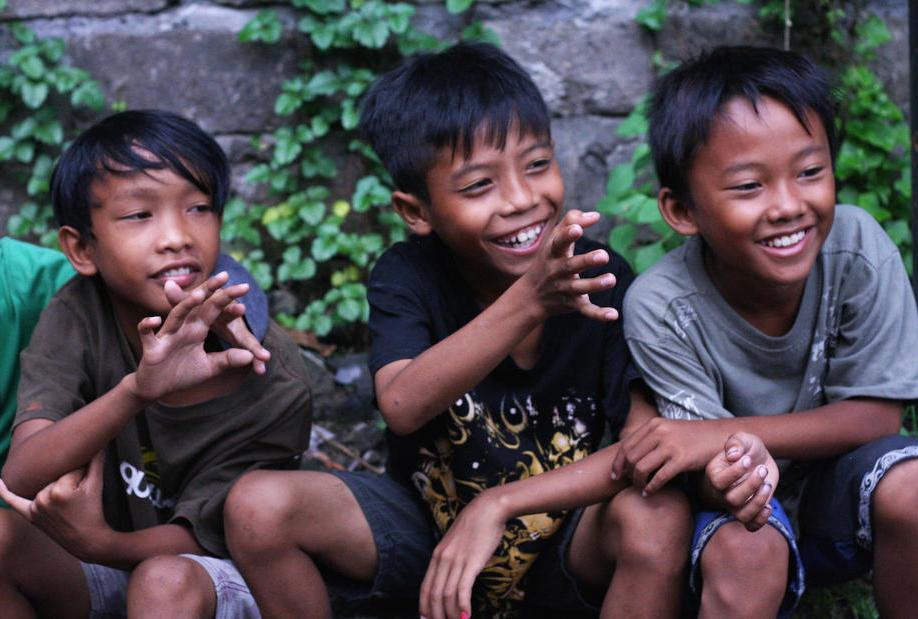 I bambini nell'orfanotrofio di Bali