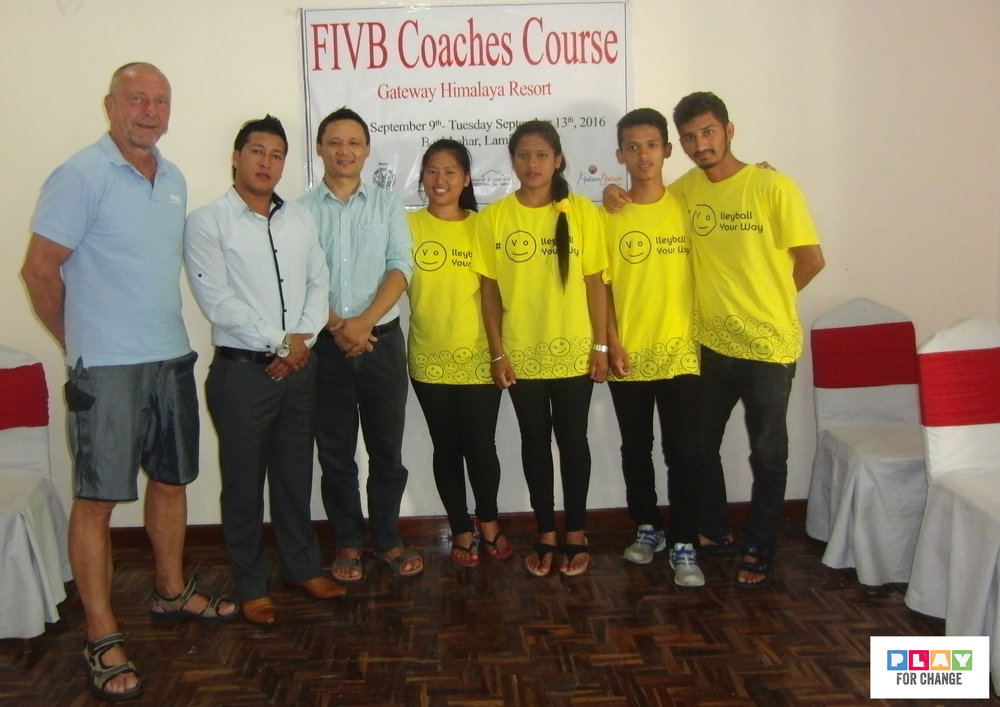 FIVB coach and the Khelaun team.