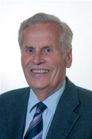 Julian Benington Councillor for Biggin Hill Ward Lives in Downe Village Julian served in the Metropolitan Police as a career detective. On retirement he established a successful corporate and financial fraud investigation company, which was later purchased by a major international security company. Julian has been a Councillor for Biggin Hill ward since 2006. During this time, he was the Cabinet Member for Renewal and Recreation for 4 years and mayor of the borough in 2014/15. He has been a Governor of Charles Darwin School for 8 years. He has had a lifelong interest in military history and the two World Wars.