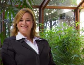 Ma. Alejandra López, Directora General de Zepol.
