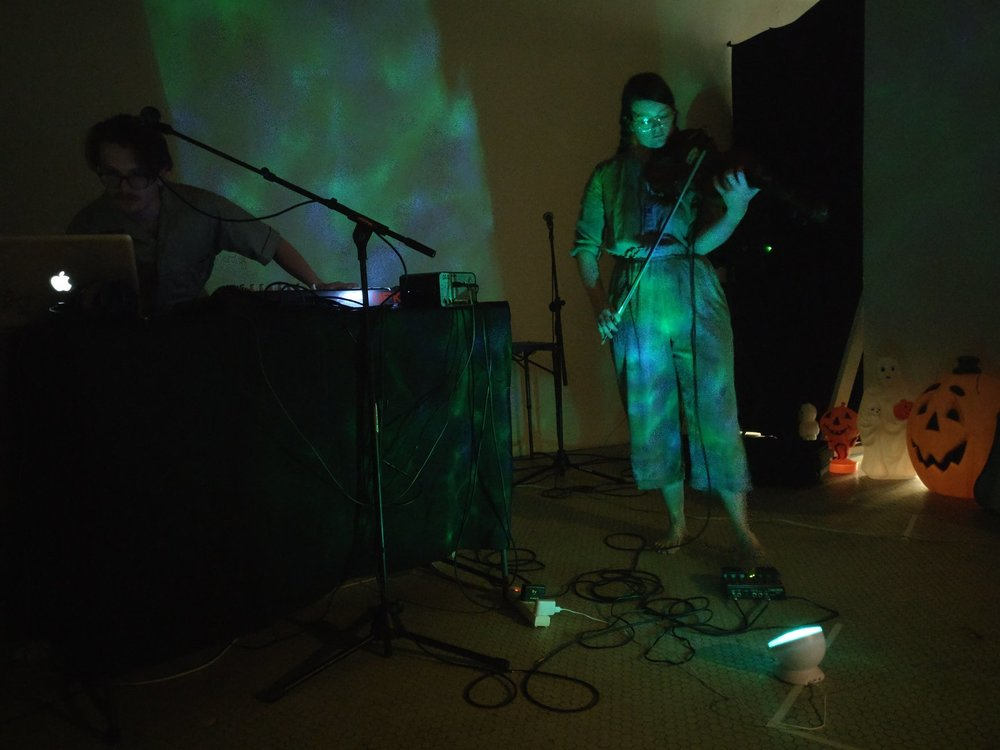 Performing  Missouri Toads and Frogs  at Vulpes Bastille, KCMO 7.24.18  PC Lauren Schrader