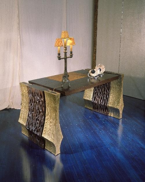 sakarra desk.jpg