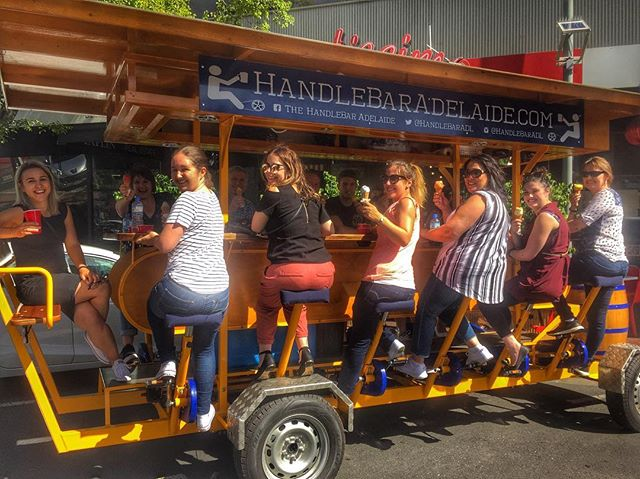 There's no better way to beat the heat on the HandleBar than a couple ice cold drinks and some ice cream from @gelatissimogelato!🍻🍦