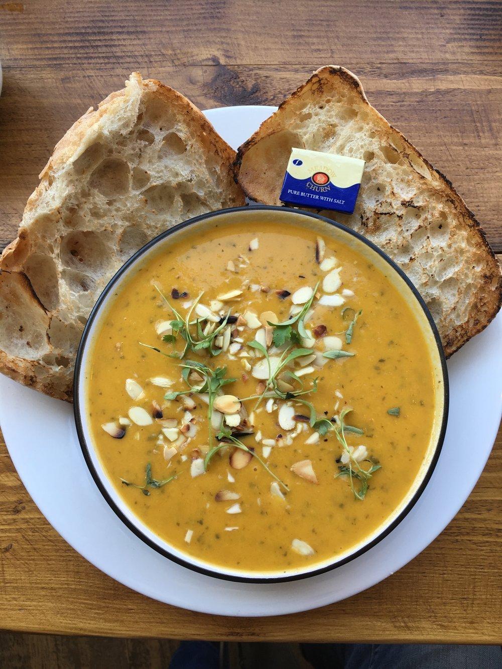 Yogisha soup @ Cafe No. 33