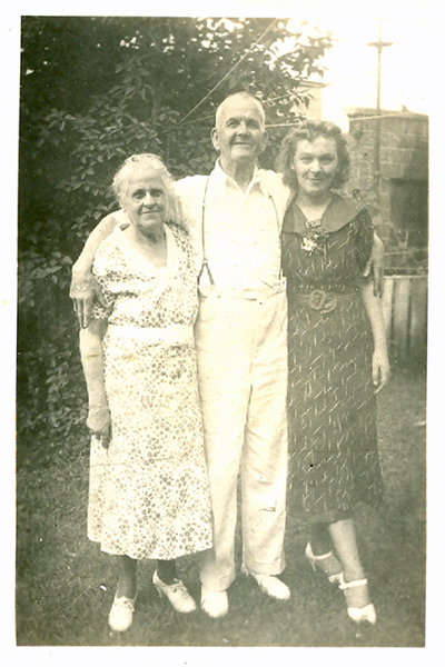 Maggie, William and Margaret Waterhouse Morgan