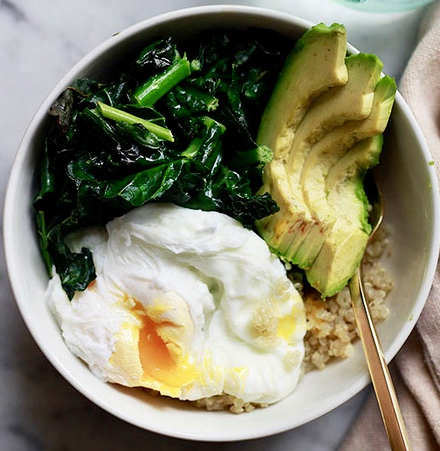 quinoa kale avocado egg bowl.jpg