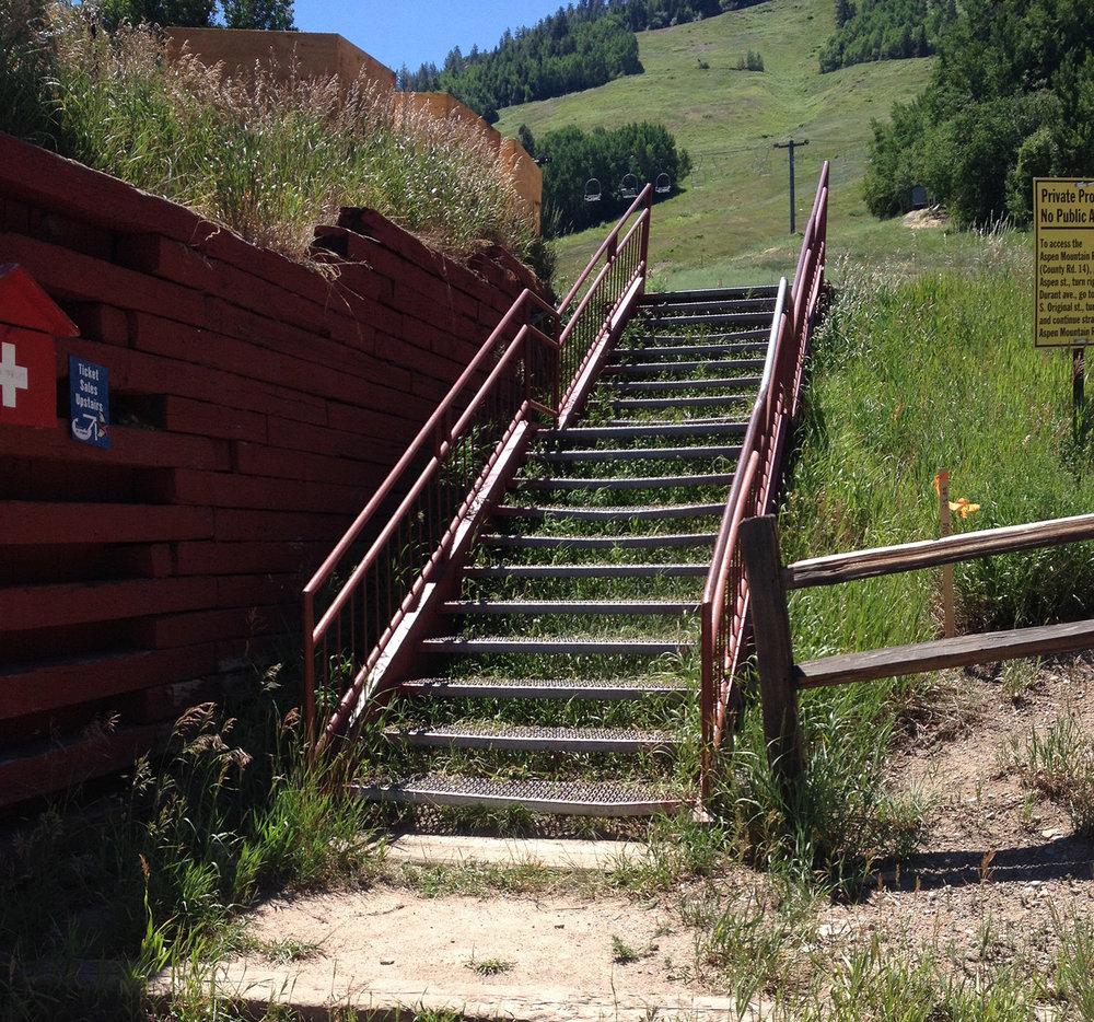Gorsuch-Haus_stairs_1600.jpg