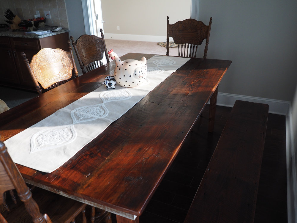 Nice 2016  09 11 Dinner Table W Bench 2016 09 009