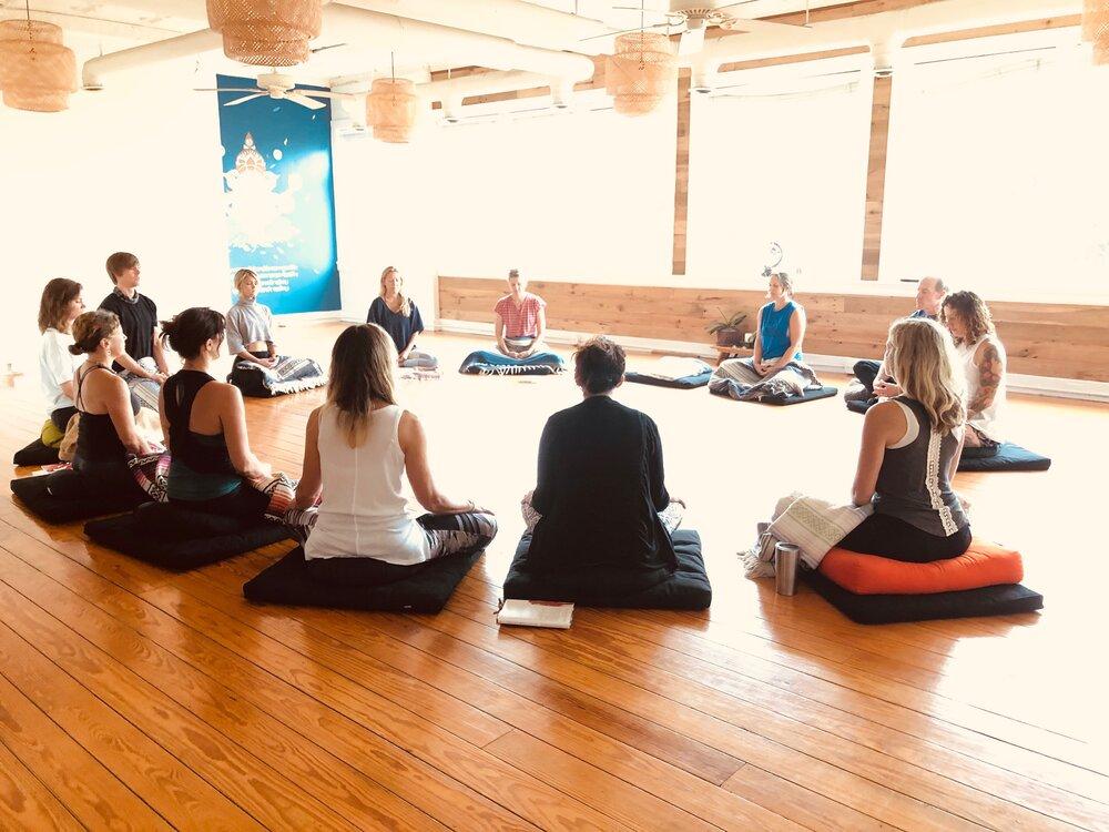 "Mar 31<br/><a href=""http://www.ashtangayogarichmond.com/workshops-and-events/"">Restorative Yoga</a>"