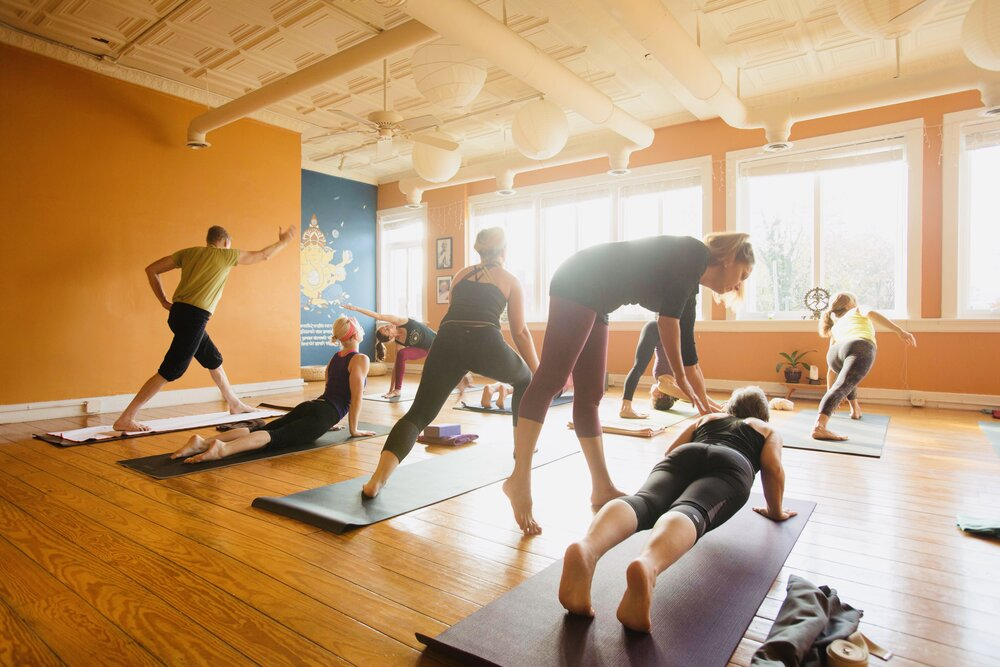 """Oct 2<br/><a href=""""http://www.ashtangayogarichmond.com/workshops-and-events/"""">Chai & Chats</a>"""