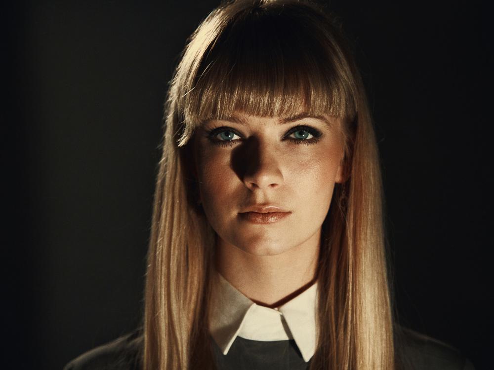charlotte-model-fotograf-bielefeld-portrait-tim-ilskens-1.jpg