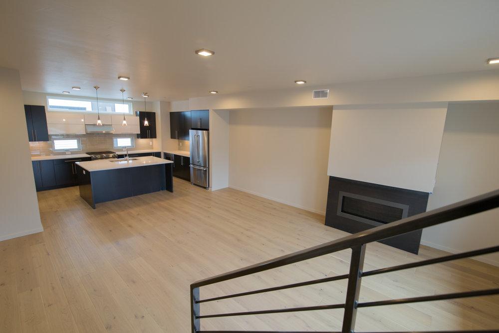 HR-Nebo_527 E Mendenhall-3 livingroom 2.jpg