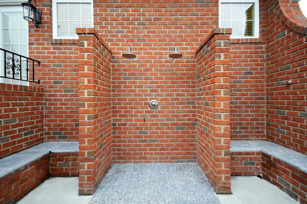 rm-outdoor-shower_04.jpg