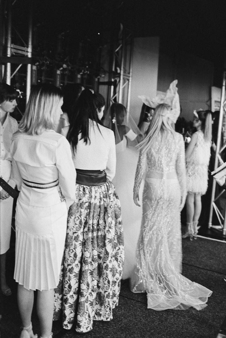 adelaide fashion festival 2016_models waiting backstage