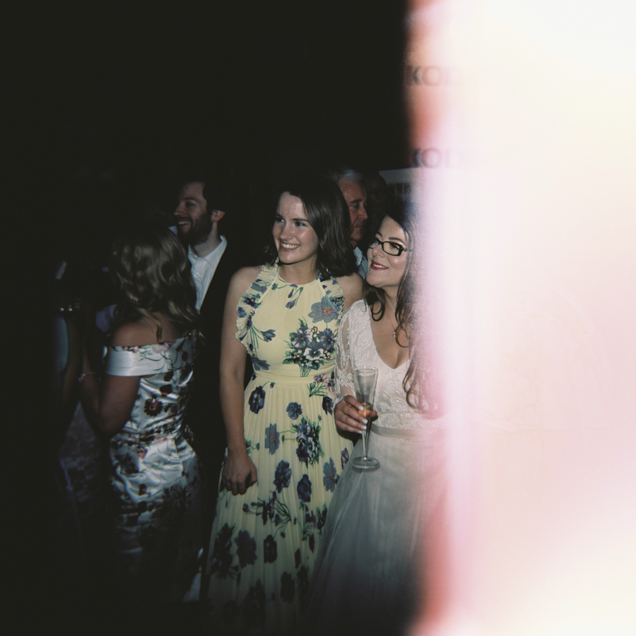 HOLGA-FILM-WEDDING-PHOTOGRAPHER_062.jpg