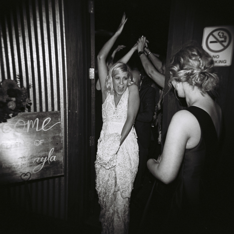 HOLGA-FILM-WEDDING-PHOTOGRAPHER_074.jpg