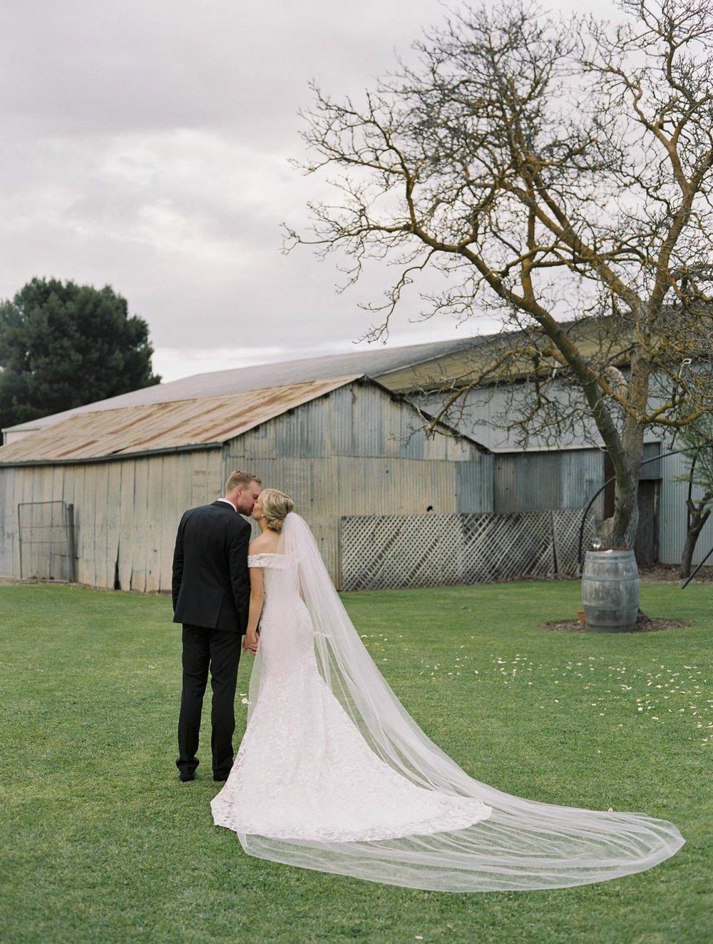 SALTRAMS-BAROSSA-WEDDING-PHOTOGRAPHER_0035.jpg