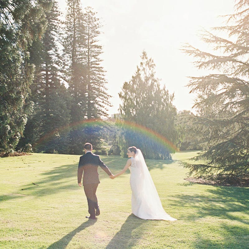 Planning your wedding need not be overwhelming, follow these easy tips to ensure your wedding day is a success.