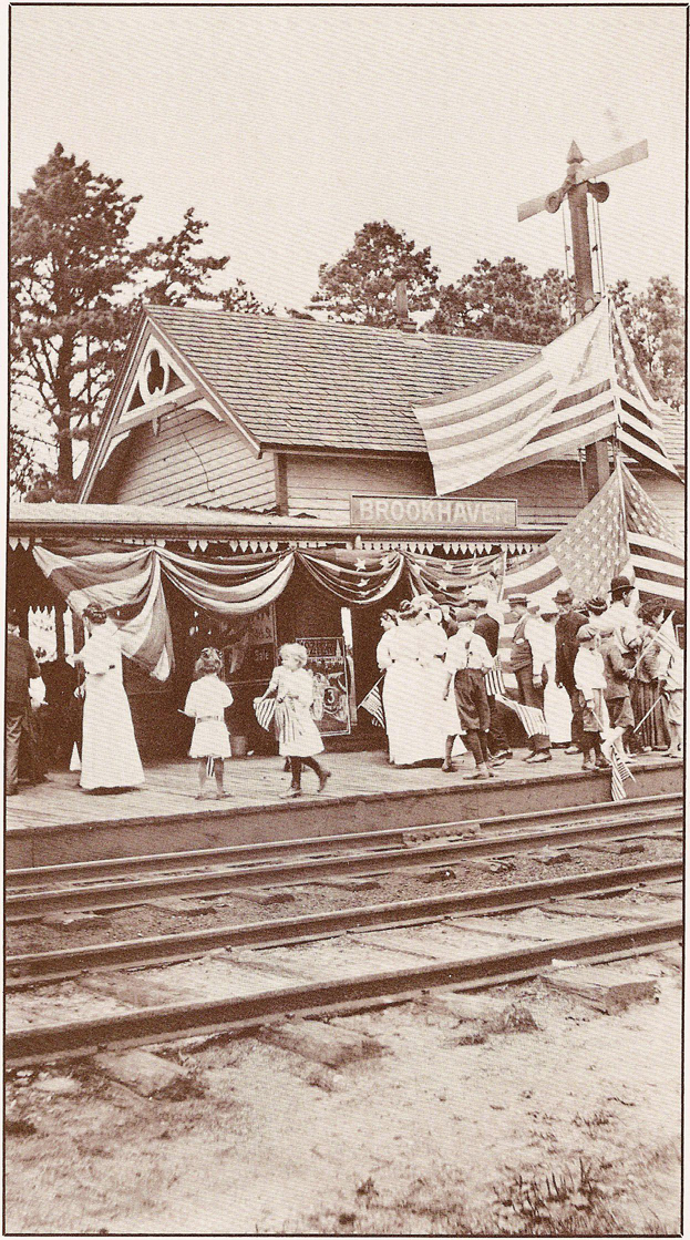 1910BrookhavenTrainStation.jpg