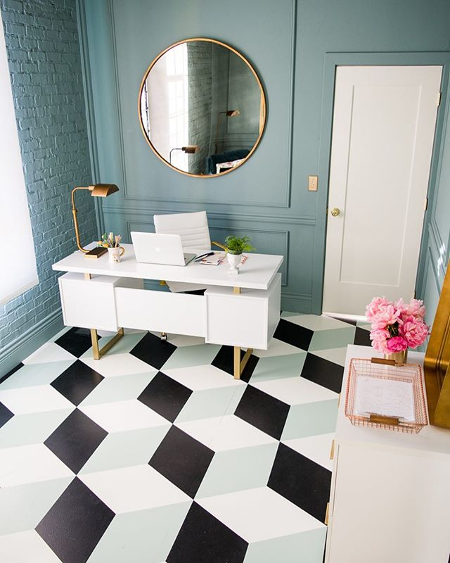 #officeenvy inspo from @houselarsbuilt circ F '17 ORC. That floor is painted! 📷 @lookitphotography .  Week 4 of the #oneroomchallenge is almost over! It's definitely the hardest week 😫 and now it's time to start putting all the pieces back together 🤞. Some of you are #almostfinished while others are still #workinghard 💪. We hope you can take a moment and feel good about what you have accomplished thus far 👏🏻👏🏻. Just do what you can at a pace that works for you ❤️. Live action can be found on #bhgorc + #oneroomchallenge guest progress 👆 bio, Featured Designers 👇  @athomewithashley @brepurposed @dabito @theenglishroom @erinkestenbaum @harlowandthistle @houseofbrinson @jandjdesigngroup @kellygolightly @lindaholtcreative @meganbachmanninteriors @michellecgage @mimosalaneblog @murphydeesign @vestigehome @oldhomelove @sgardnerstyle @designershay @sitamontgomeryinteriors @smpliving @betterhomesandgardens  #oneroomchallenge #bhgorc