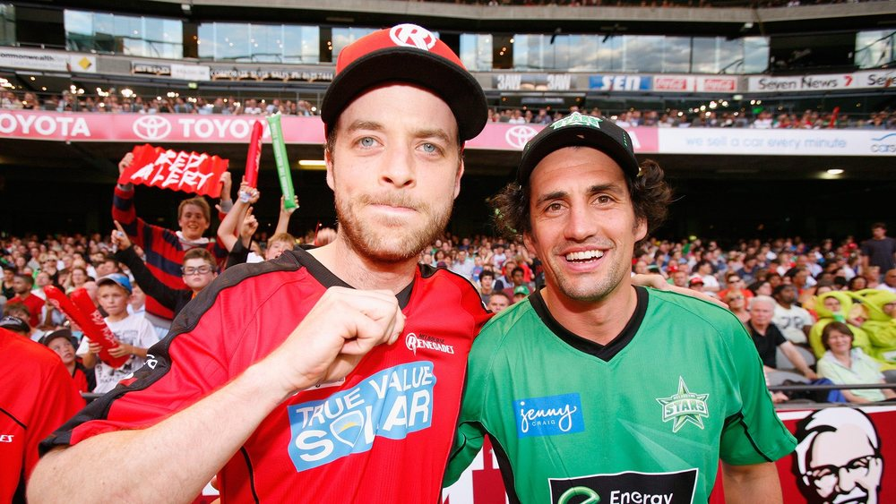 Hamish Blake (left) & Andy Lee (right) supporting the BBL Series. Photo: Getty Images.