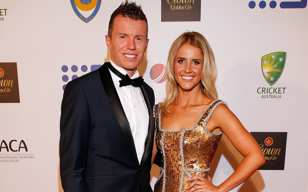 Peter Siddle and Anna Weatherlake, dressed by Kyha by one day bridal