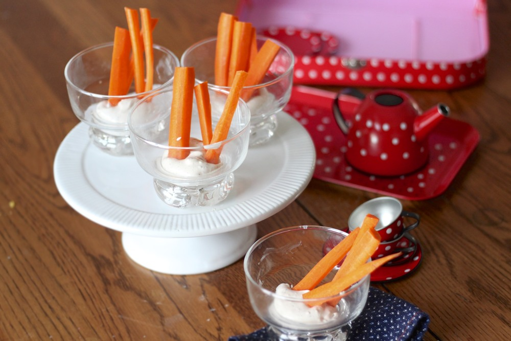 low carb kids: vegetable dip and sticks in a cup