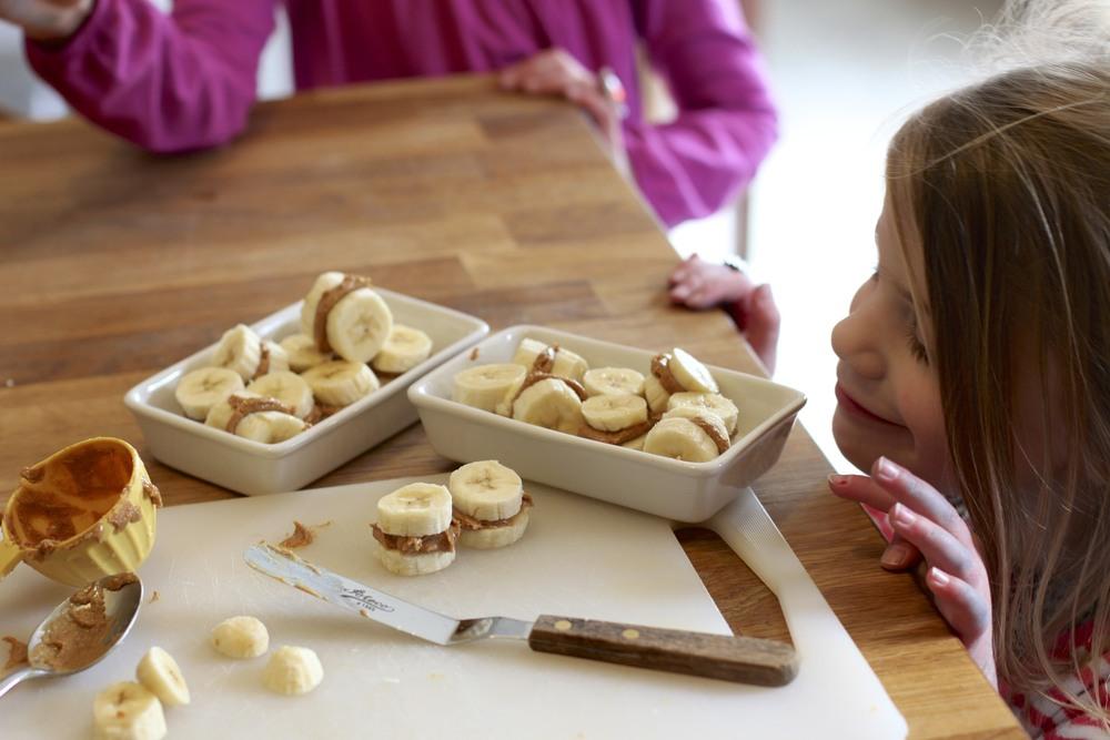 low carb/paleo kids: banana sandwiches