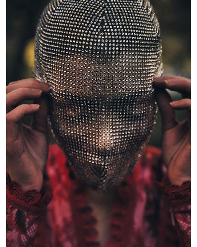 Mask @gucci  Dress @gucci Shot my the amazing @wolfecut Styled by @renee.huffman H/M @jamieh102 - art direction @juleswstylist_ sneak Preview- Mask @gucci  Dress @gucci #Centralpark #newyork #gucci #fashion #mask