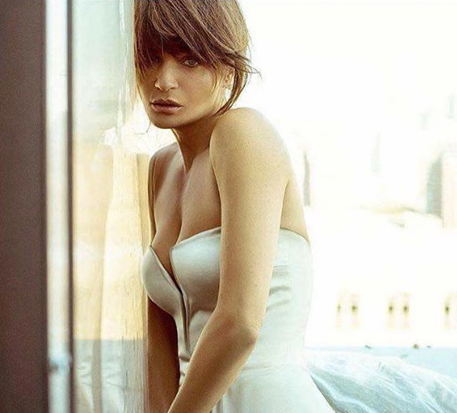 Happy birthday to beautiful @helenachristensen - have the most wonderful day. 💕❤️💕❤️🎁🎄