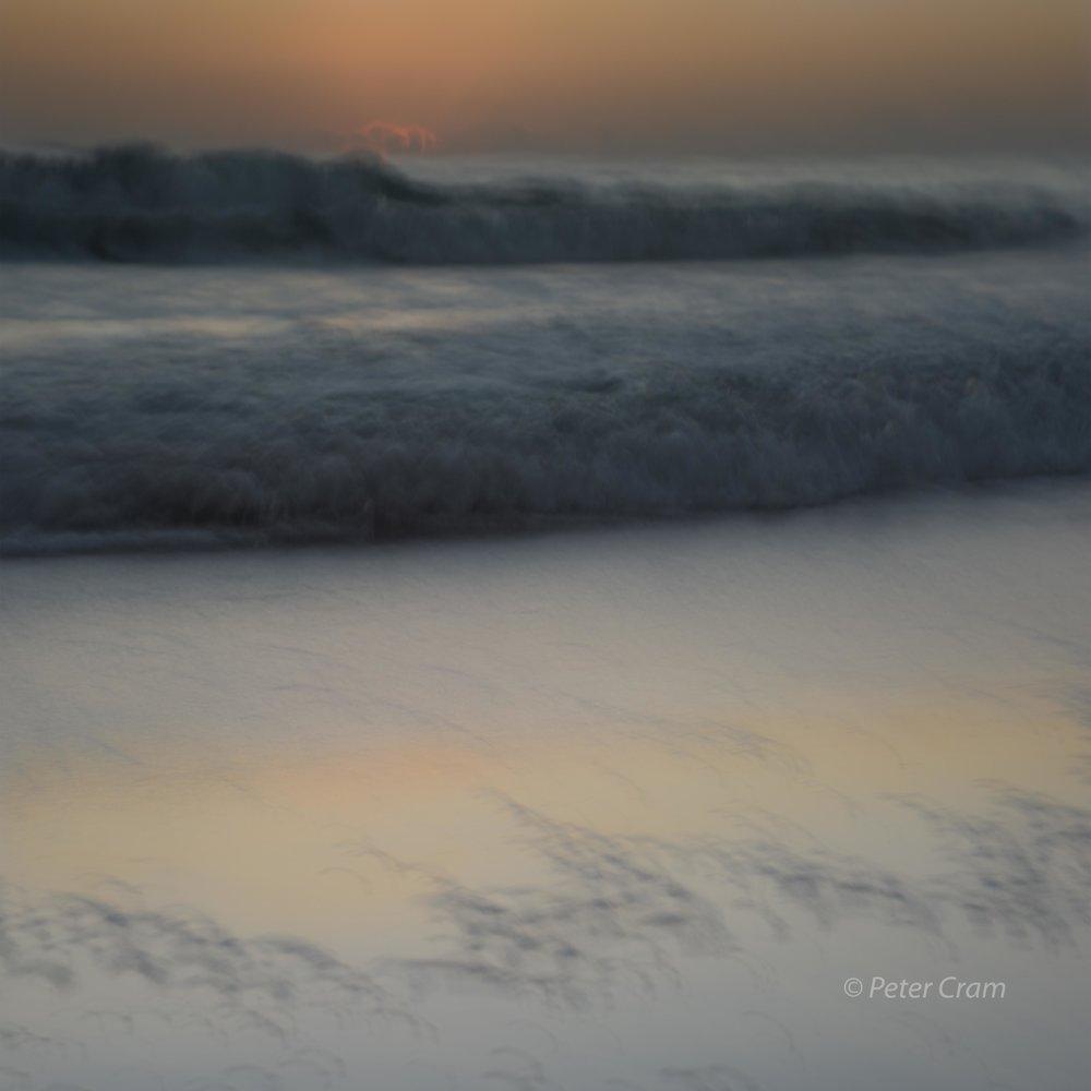GRAY WAVES   B0217-3-8727