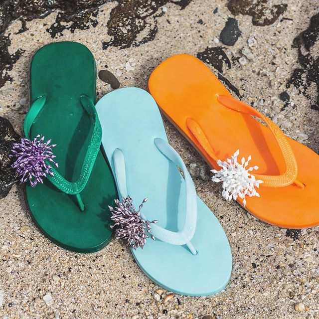 Add some color to this grey Monday!!! #popits #popitshawaii #sandals #slippers #charms #jewelry #beach #waikiki #hawaii #beach