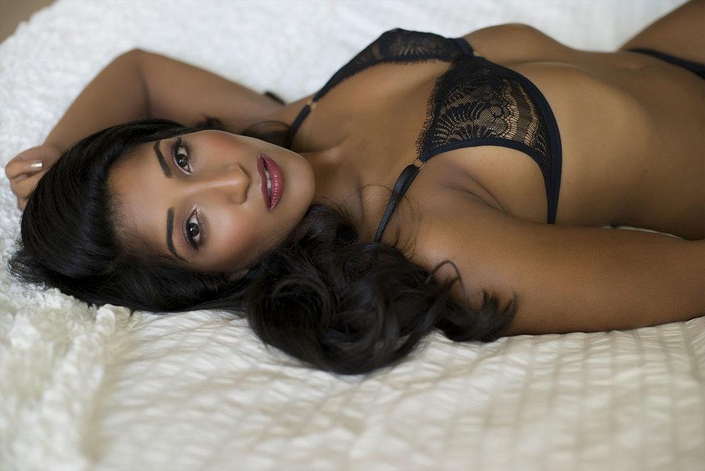 Chelsey Luren Portraits Vancouver Boudoir Review Miss J3.jpg