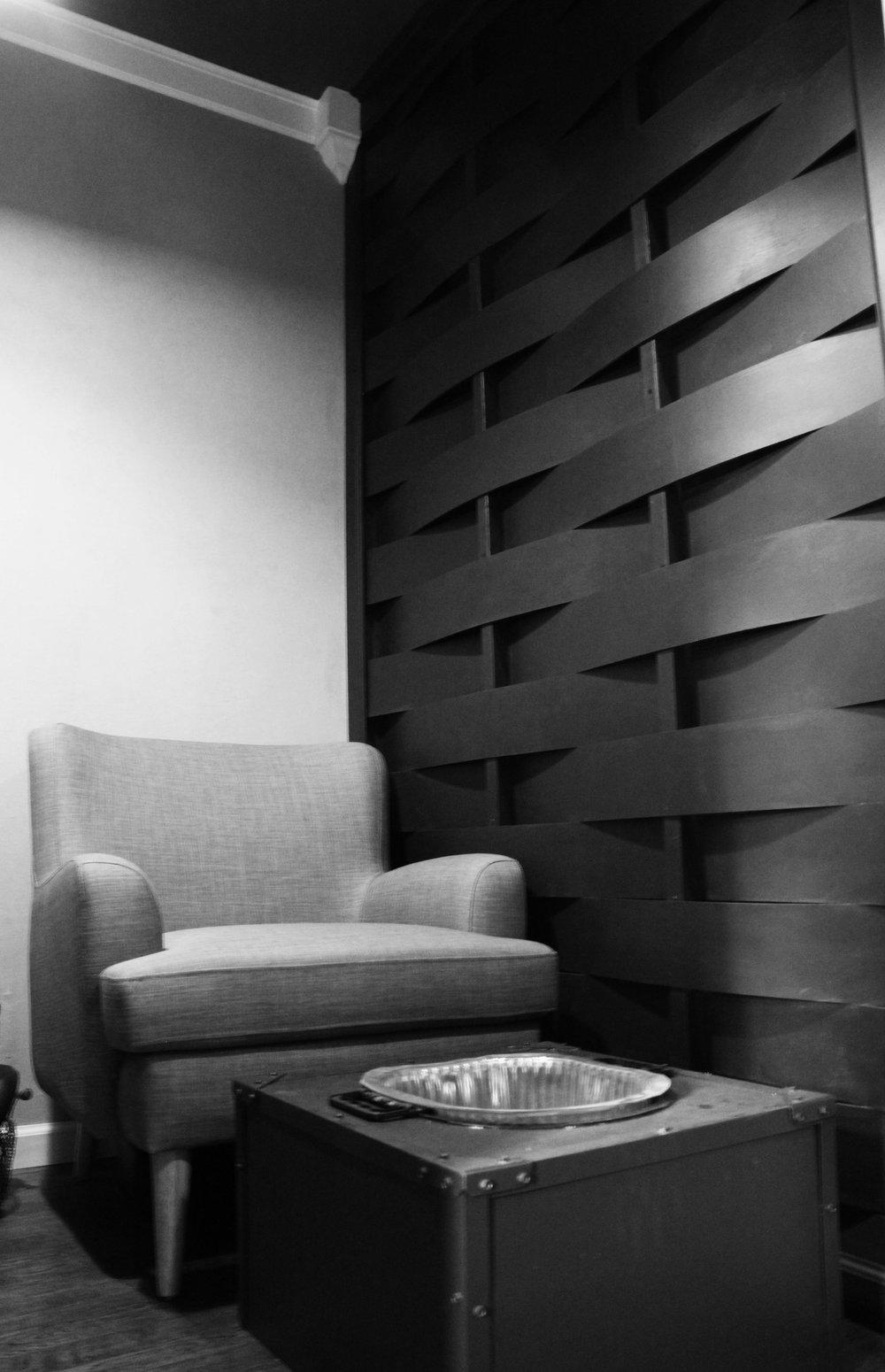 nail room wall.jpg