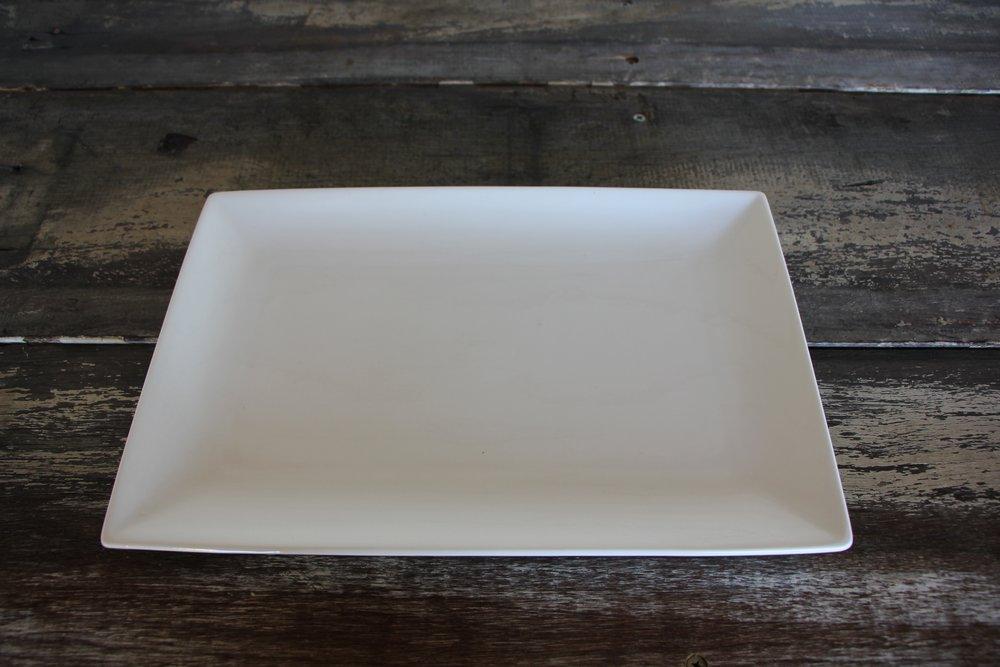 Rectangular platter (30x20cm). -