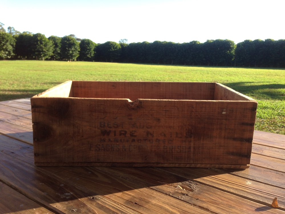 Wooden Box Vintage. - Qty 1. $10