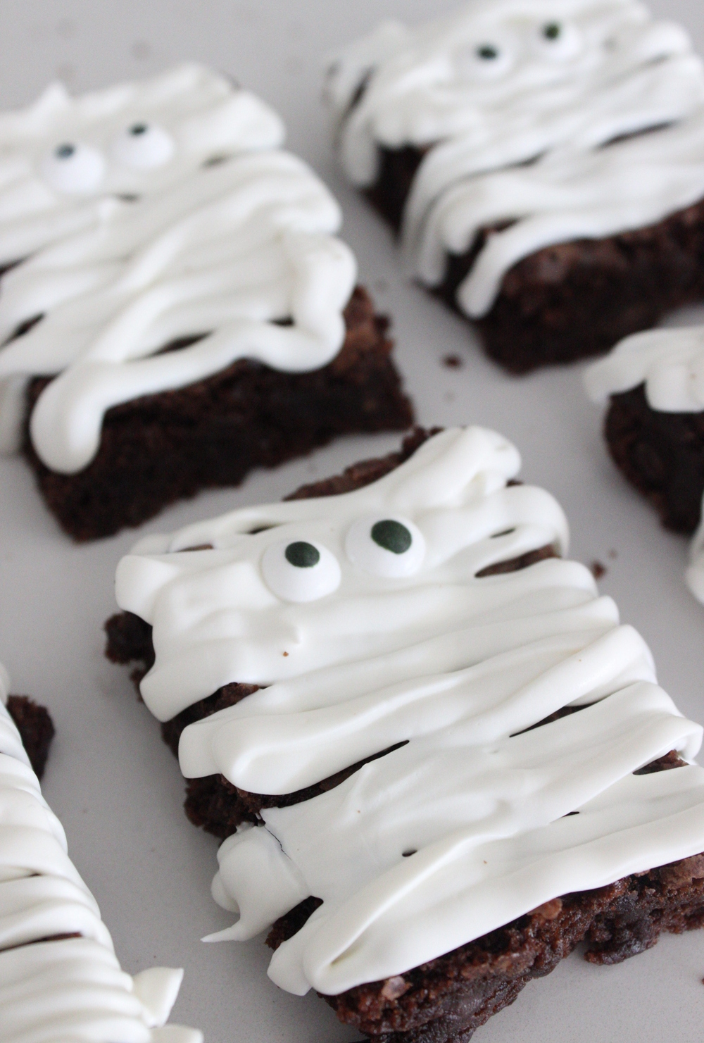 easy-mummy-brownies-pinterest (1).jpg