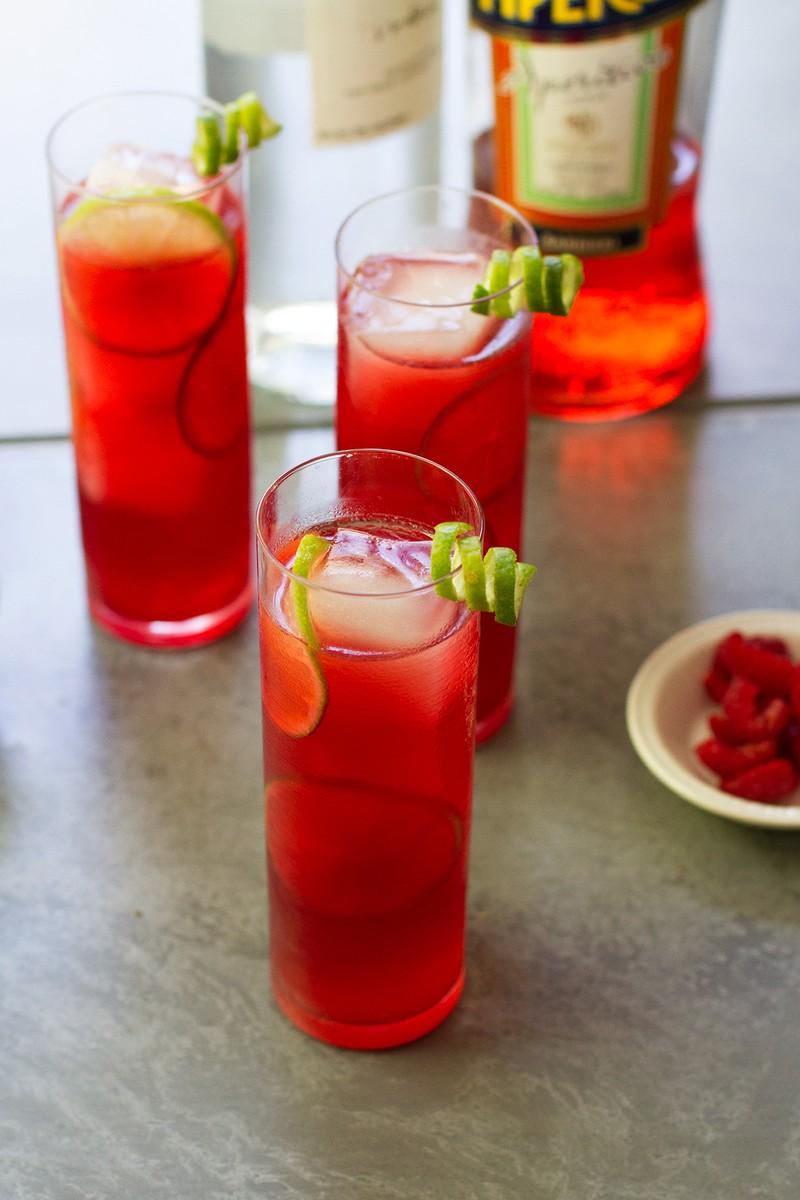 hibiscus-berry-cooler-cocktail-recipe_v_medium.jpg