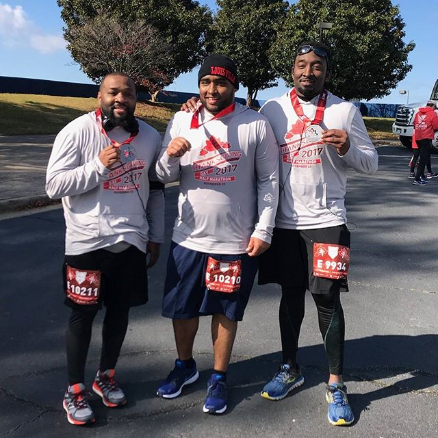 Got to run a half marathon on Thanksgiving morning with my brothers. Mission accomplished. 💯 ------------------------------------------------------------------------ #Family #positivevibesonly #runnerlife #runlouisville #purpose #dontgiveup #instarunners #inspiration #runfamily #2017 #madinATL #borninWestLou #socialentrepreneur #atlanta #startup #runATL #runChi #runNYC  #runLA #running #nikeplus #stylerunner #worldrunners #runrevolution #runolution #startwithwhy #instagood #diabetes #fightobesity #stillbelieve @atlantatrackclub