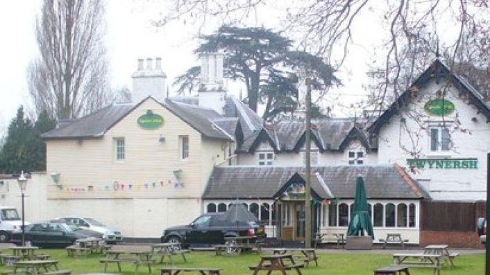 Greene-King-pub-gets-140-000-fine-for-food-hygiene-offences_wrbm_large.jpg