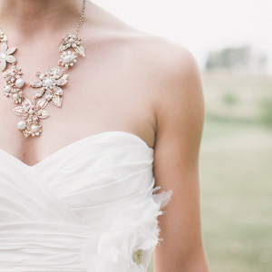 婚紗服飾 - 敬請期待