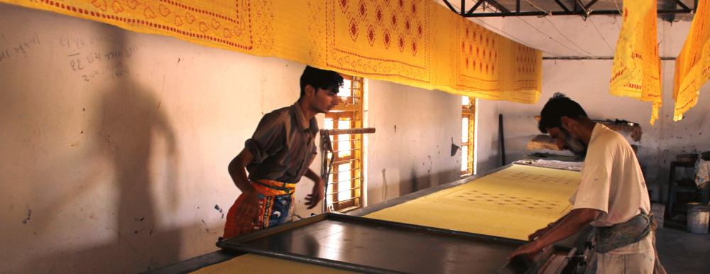 Screen printing workshop in Dhamadka