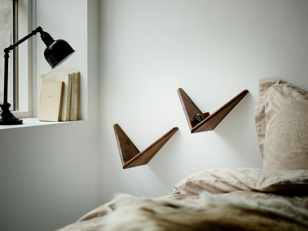 CADOVIUS BUTTERFLY SHELF_walnut_ deco_bedtable_2.jpg