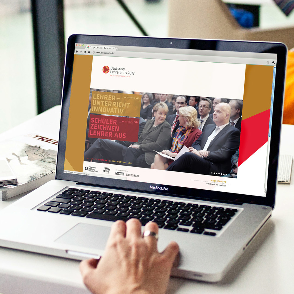 PaiStudio-Deutscher-Lehrerpreis-DLP-Poster-Website-Jasmin-Herz-hd.jpg